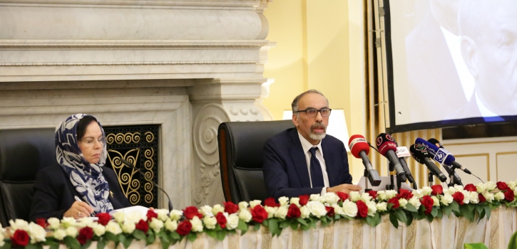 الدكتور مصطفى شريف يحاضر حول حوار الحضارات و العلاقات الدولية