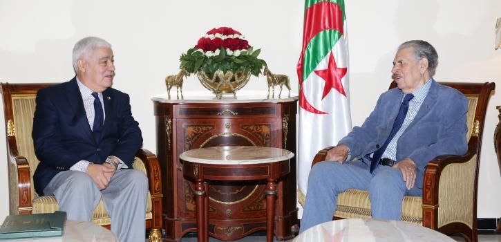 رئيس مجلس الأمة بالنيابة يتسلم نسخة من التقرير السنوي حول حالة حقوق الإنسان بالجزائر لسنة 2018