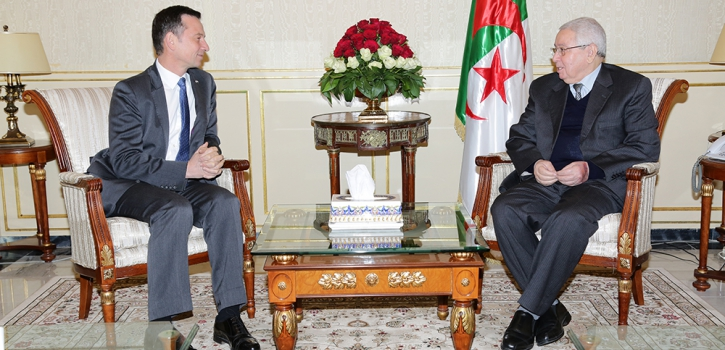 السيد عبد القادر بن صالح يستقبل السفير الجديد لبريطانيا العظمى  وايرلندا الشمالية