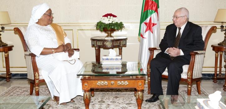 رئيـس مجلــس الأُمّـة يستقبـل السّفيرة الجديدة لجمهوريّـة السّنغال بالجزائر