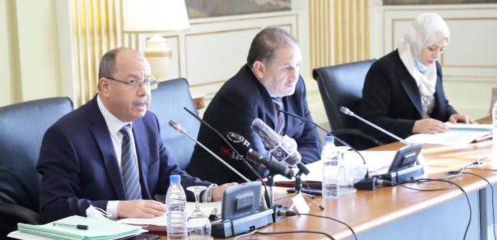 وزير العدل حافظ الاختام يعرض ثلاثة نصوص قوانين امام لجنة الشؤون القانونية