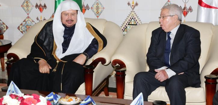 رئيس مجلس الشورى السعودي في زيارة إلى الجزائر