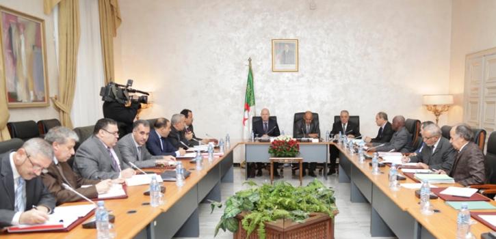 لجنة الشؤون الاقتصادية والمالية تستمع لعرض وزير المالية لمشروع قانون المالية 2018