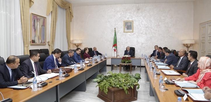ترأس السيد عبد القادر بن صالح ، رئيس مجـلس الأمة اليوم الخميس 05 اكتوبر 2017 ، بمقر المجلس ، اجتماعا لهيئة التنسيق لمجلس الأمـة.